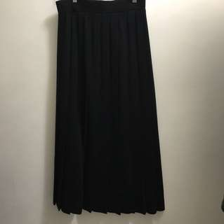 Moving sale 💃 UNIQLO x Lemaire (Hermes designer) wool skirt