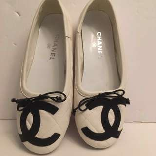 CHANEL white flats size 37