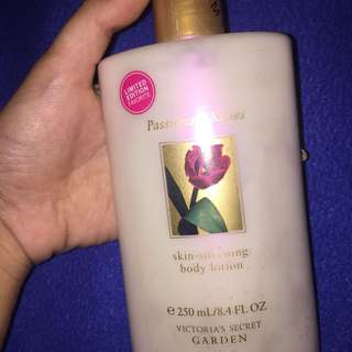 VS Authentic Lotion