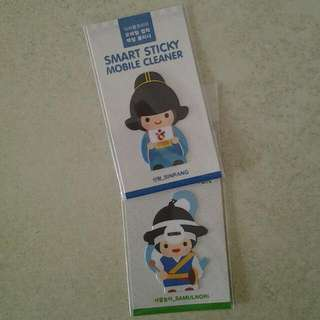Mobile phone cleaners 2pieces (made in Korea) (new, sealed)