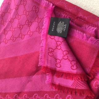AUTHENTIC GUCCI Pink Wool Scarf Shawl