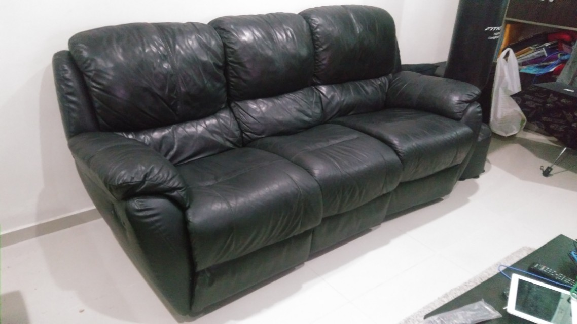 3 Seater Recliner Leather Sofa Furniture Sofas On Carousell