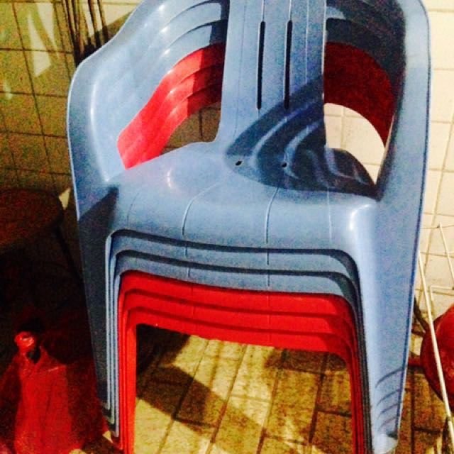 6 plastic chairs made in taiwan