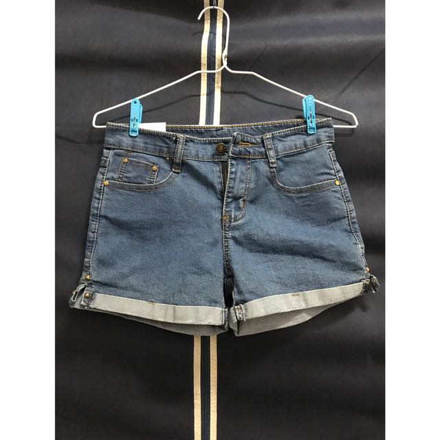 藍色牛仔短褲