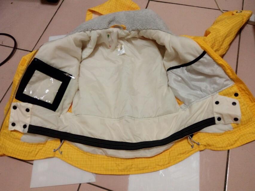 防潑水防風兒童外套