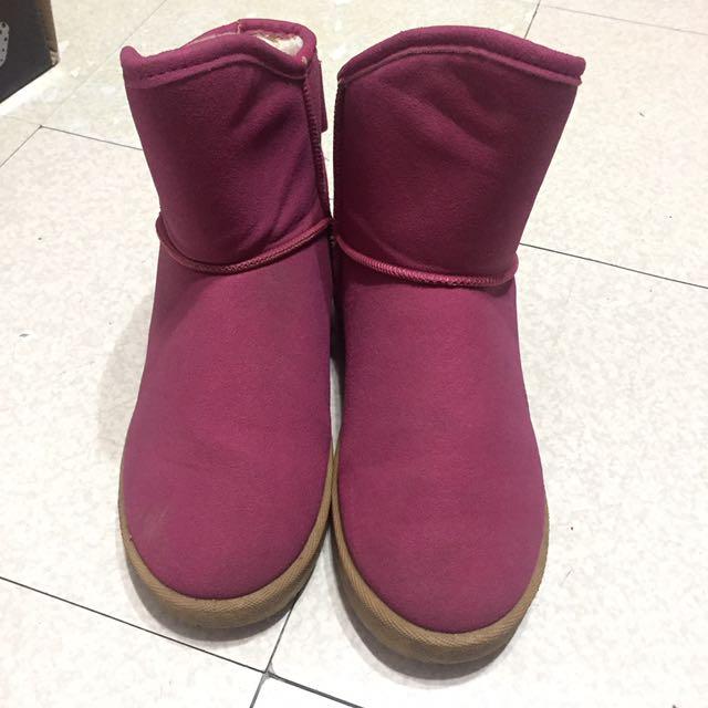 桃紅色毛絨雪靴