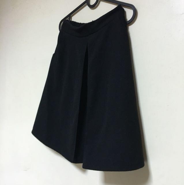 韓 黑 毛料  圓裙 質感超好!