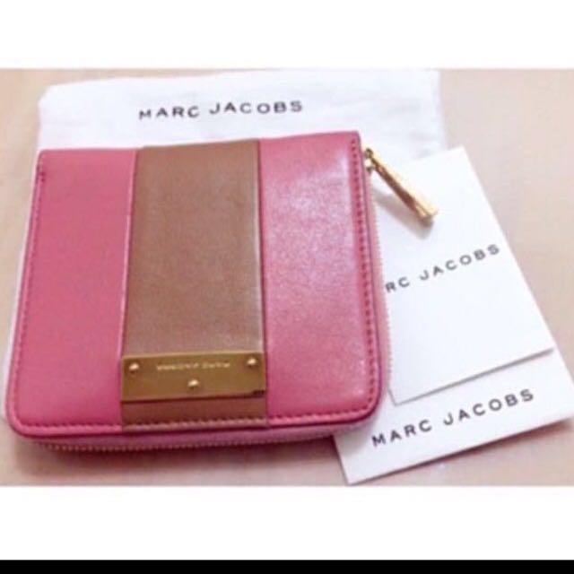 降價 Marc Jacob's 經典藕粉撞包小羊皮粉色 短夾