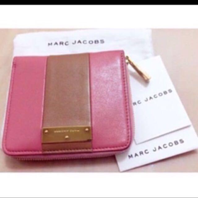 💓降價 Marc Jacob's 經典藕粉撞包小羊皮粉色 短夾