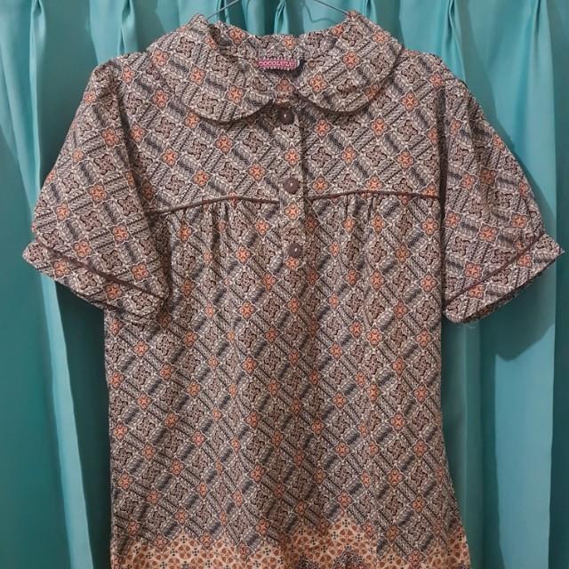 Batik top with peterpan collar