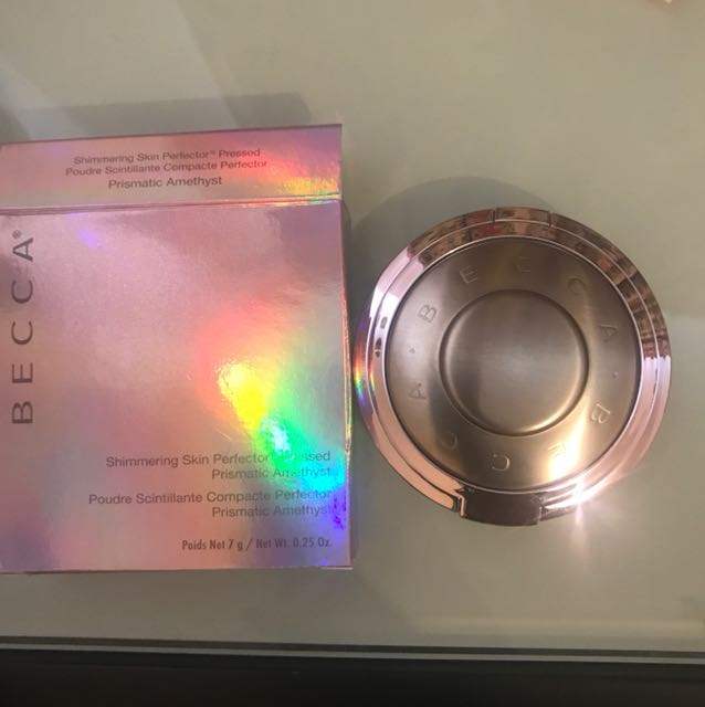 Becca Highlighter in prismatic amethyst