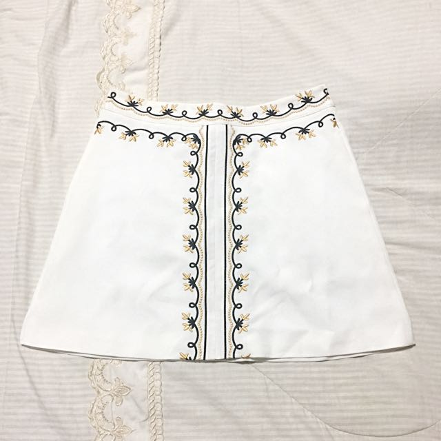 Bonpoint White Embroidered Skirt - Ladida