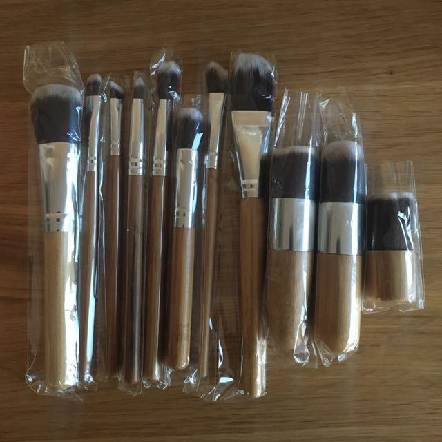 Brand New 11 Piece Brush Set