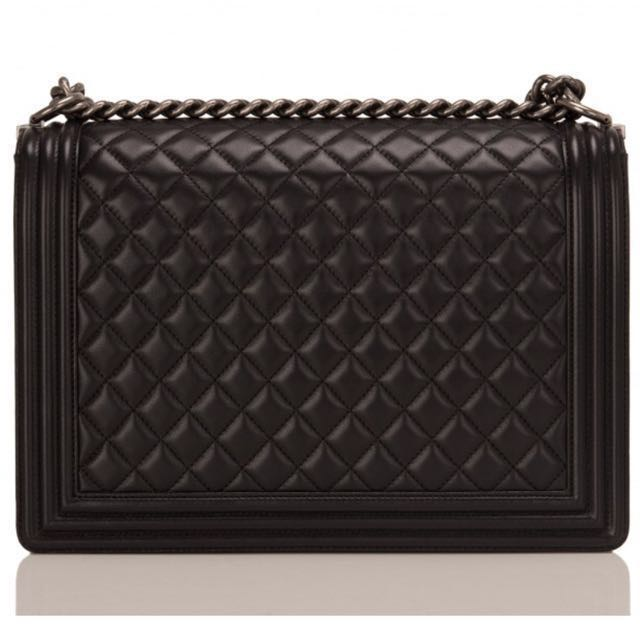 bd9660031d71 Chanel Large Boy bag of black lambskin leather with aged ruthenium ...