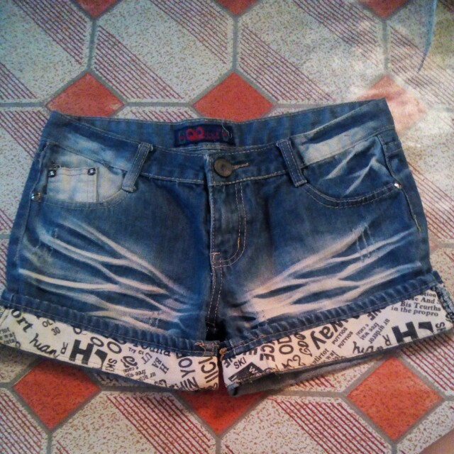 Denim shorts 32""