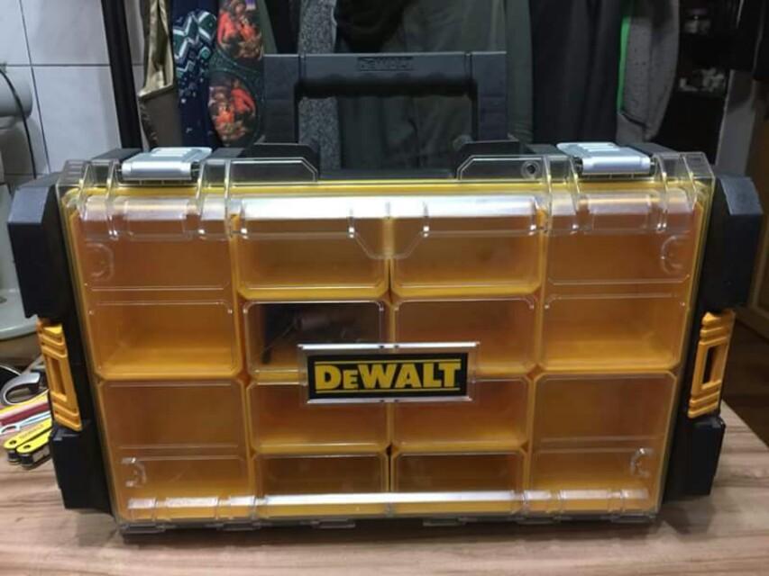 Dewalt 得偉 DS100 防水,防塵,零件箱 工具箱