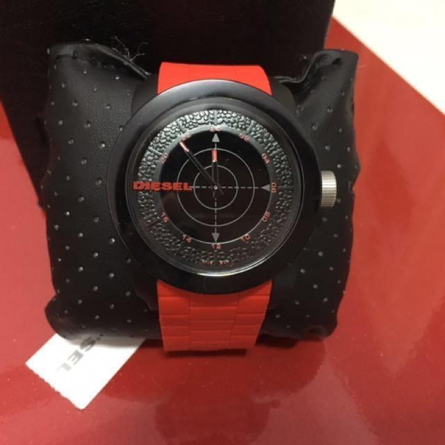 DIESEL 黑紅相間 超大錶面防水計時錶  #有超取最好買