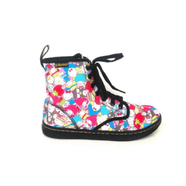 Dr Martens x Hello Kitty (Sanrio) canvas boots!
