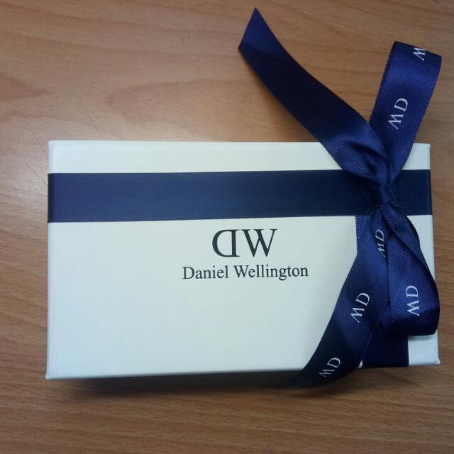 正品Dw 26mm 銀色藍針典雅女錶 精裝禮盒版 附提袋##舊愛換新歡