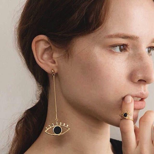 Earrings earring