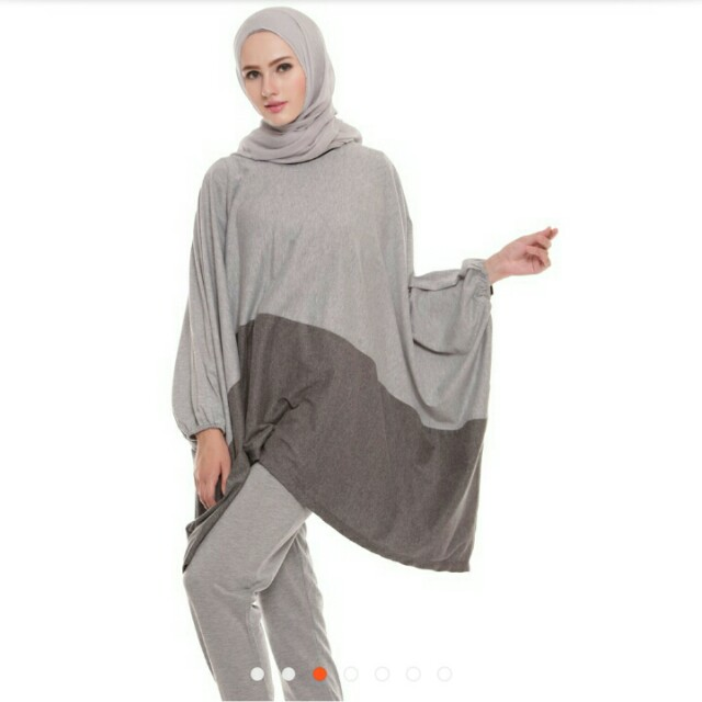 For free Batwing top