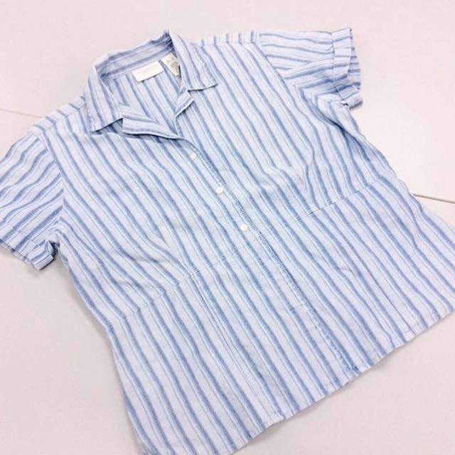 [FREE WITH ANY PURCHASE - Liz Claiborne] Ladies Short-sleeved Striped Shirt.