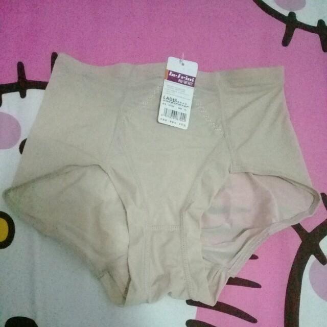 Korset celana import