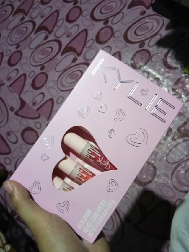 Kylie Velvet liquid Lipstick Set