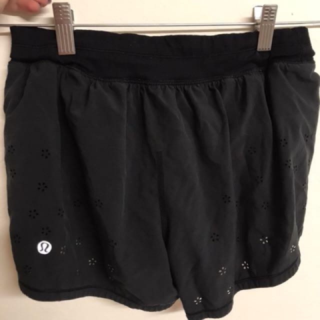 Lululemon shorts Size 4 Black