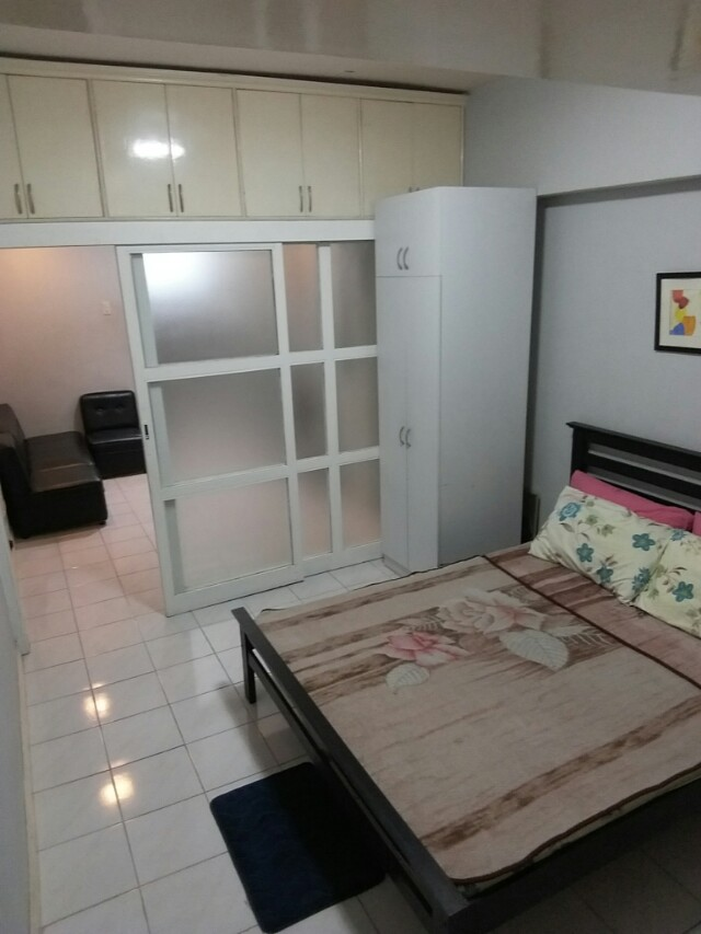 Staycation Makati 1BR w/ free swimming pool gym pass playground good for 3 pax