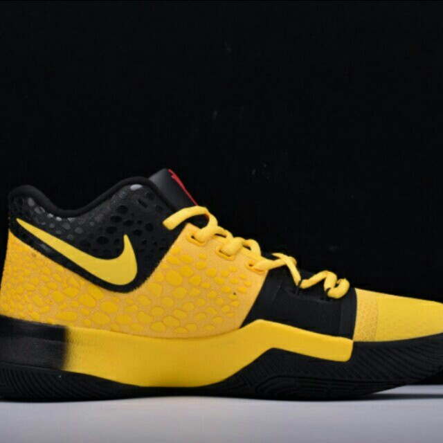 cheap for discount c741a 53570 Nike Kyrie Irving 3 Bruce Lee, Men's Fashion, Footwear ...