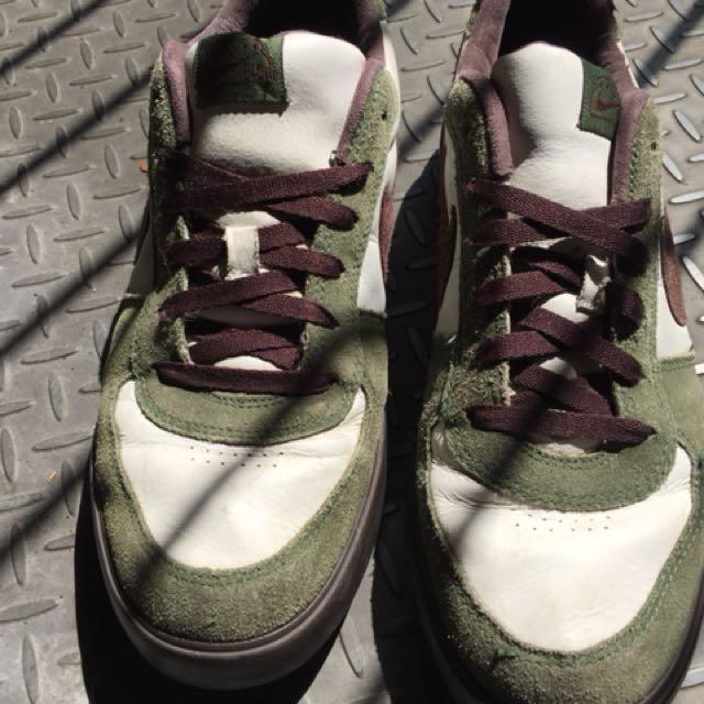 Nike Mens Sneakers - sz 12