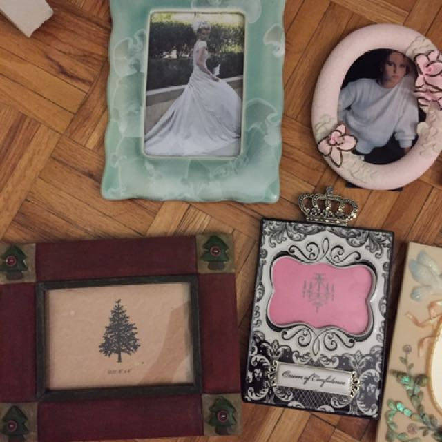 Picture frames (8 pieces)