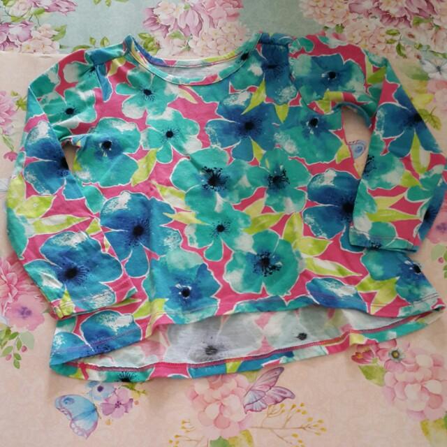 Preloved floral top. No defect