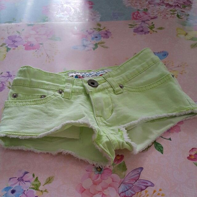 Preloved hotpant baby denim light yellow. No defect