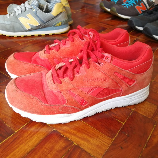 5d4f2219a9d1 Reebok Hexalite Red running shoes size 9.5 Us Authentic