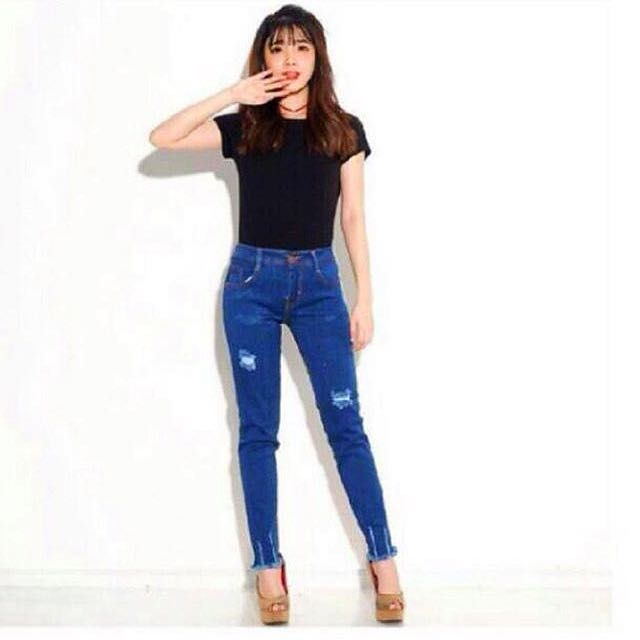 Ripped jeans size 32 indo