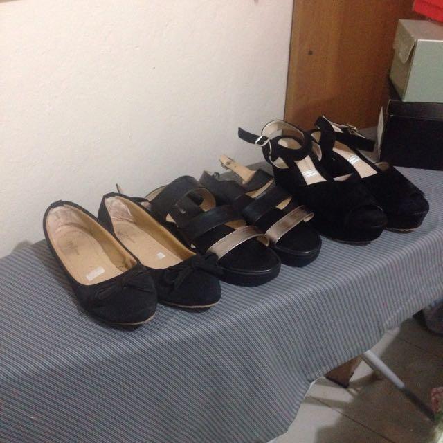 Sepatu Black Edition