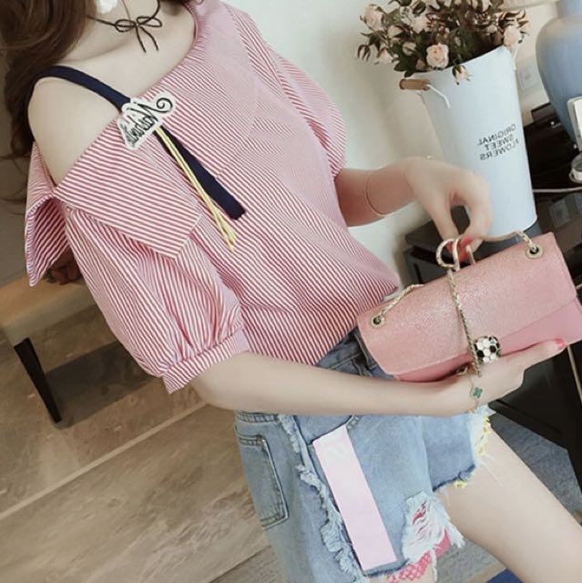 Short blouse