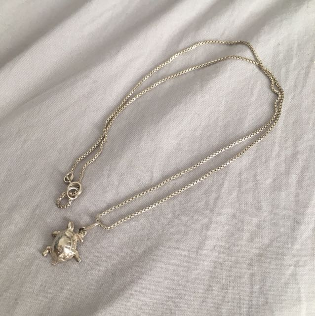 Silver(925) chain and turtle pendant