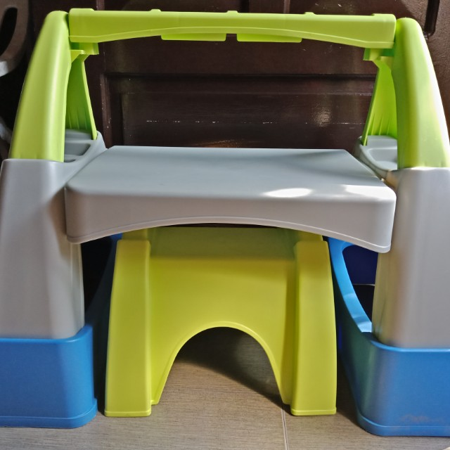Study 'n Play desk and chair