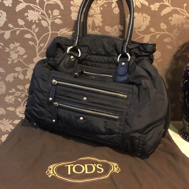 Tods 經典黑色空氣感尼龍防水托特包