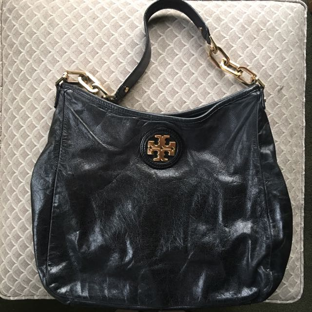 107d36ef7fc TORY BURCH BLACK CITY HOBO WITH GOLD EMBLEM