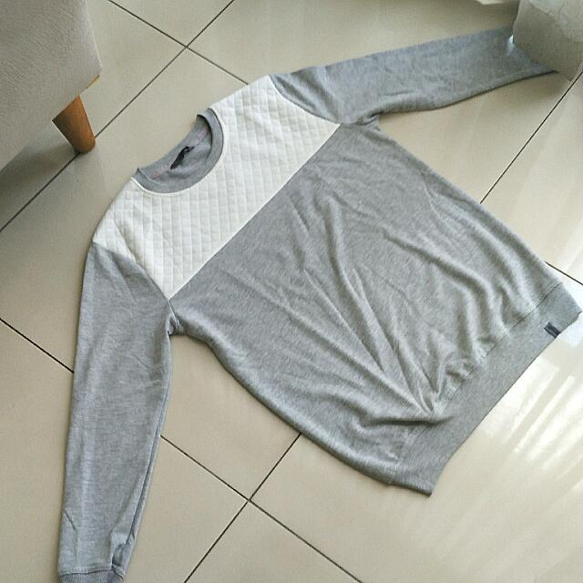 Two Tone Sweater Size M