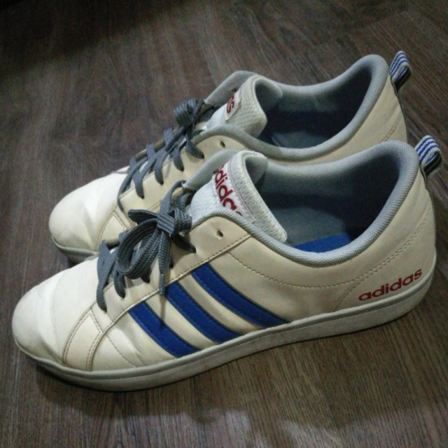 White Sneakers by Adidas Sz.US11