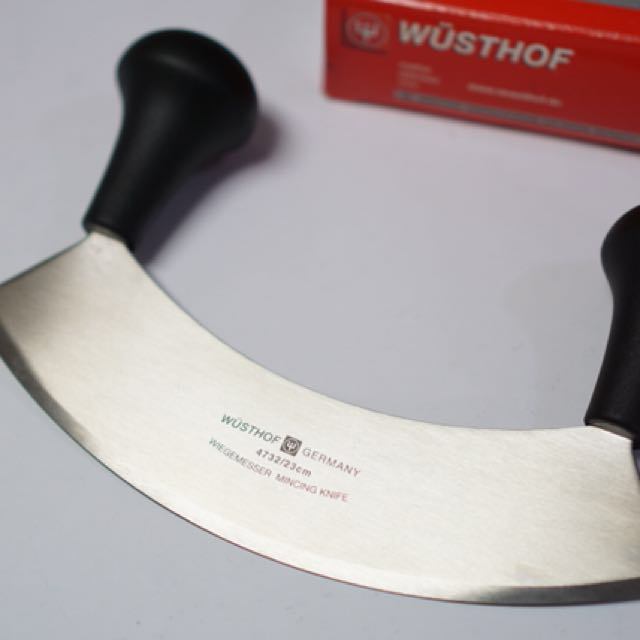 Wusthof 9-in Mezzaluna (Half-Moon Knife)