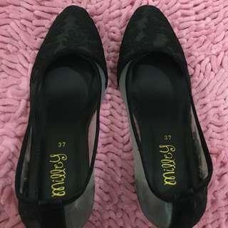 Sepatu milley