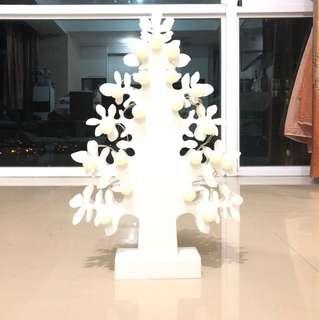 pohon natal lampu