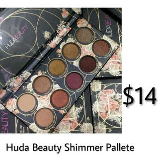 Huda beauty shimmering pallete