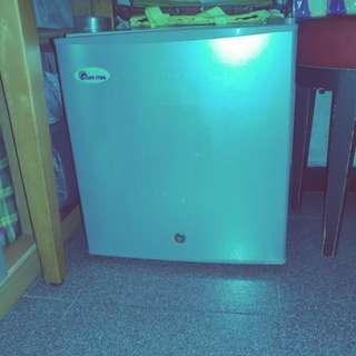 迷你冰箱 (可制冰)
